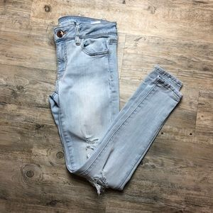 American Eagle light wash skinny jeans distressed